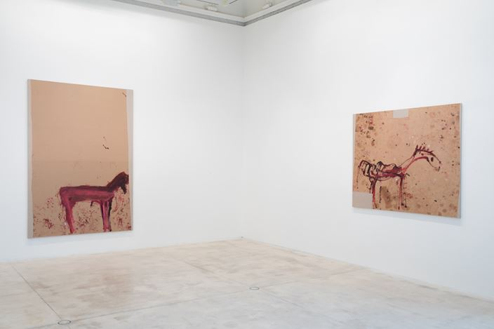 Exhibition view: Martha Jungwirth, NICHT IM DONIZETTI-SALON, Galerie Krinzinger, Vienna (24 January–14 February 2020). Courtesy Galerie Krinzinger.