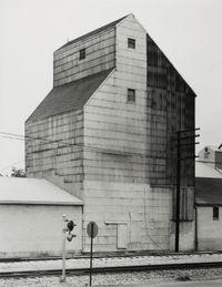 Getreidesilo, Sandusky, Ohio, USA by Bernd & Hilla Becher contemporary artwork photography
