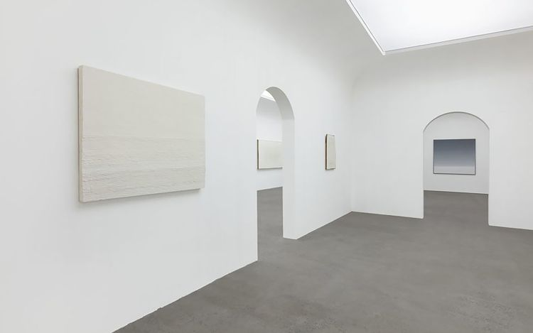 Exhibition view: Wang Guangle, Waves, Beijing Commune, Beijing (15 April–28 May 2021). Courtesy Beijing Commune, Beijing.