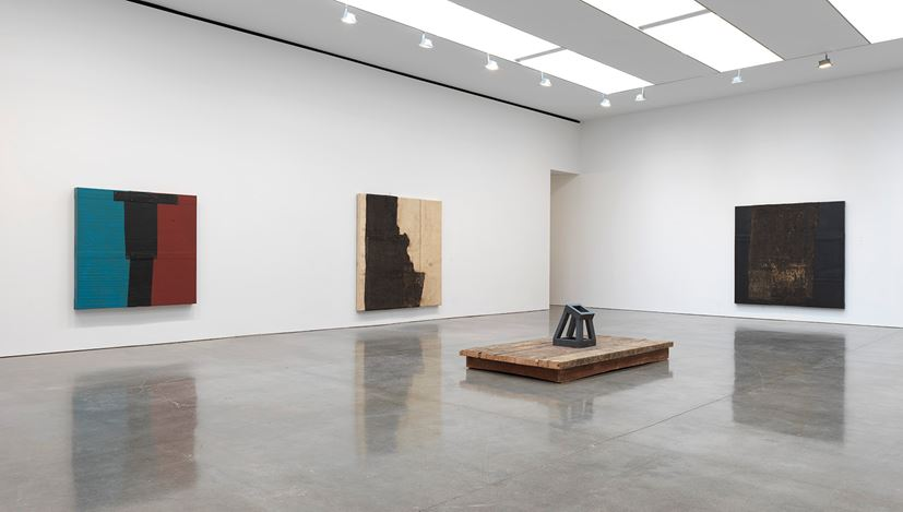 Exhibition view:Theaster Gates, Black Vessel, Gagosian, West 24th Street, New York (10 October 2020–23 January 2021). © Theaster Gates. Courtesy Gagosian.Photo: Rob McKeever.