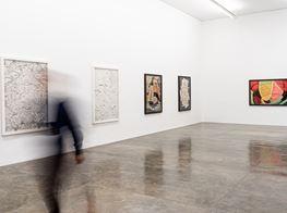 "Vik Muniz<br><em>Superfícies</em><br><span class=""oc-gallery"">Galeria Nara Roesler</span>"