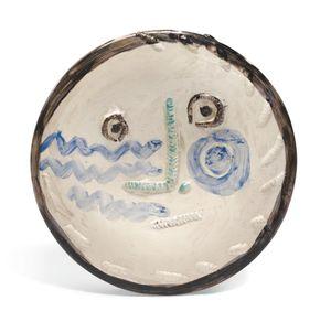 Visage au nez à angle droit by Pablo Picasso contemporary artwork sculpture, ceramics