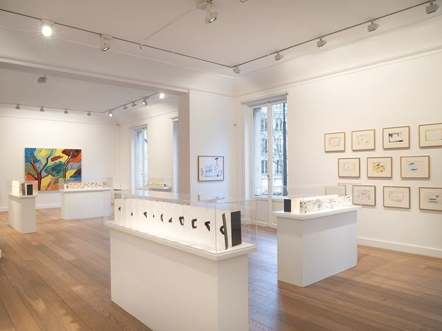 Exhibition view: Etel Adnan, Leporellos, Galerie Lelong & Co., 13 Rue de Téhéran, Paris (23 January–7 March 2020). Courtesy Galerie Lelong & Co. Paris.