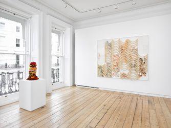 Exhibition view: Liza Lou, Desire Lines, Lehmann Maupin, London (15 September–6 November 2021). Courtesy Lehmann Maupin.Photo: Jack Hems.