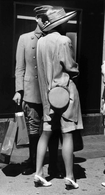 Untitled, New York City by Bill Cunningham contemporary artwork