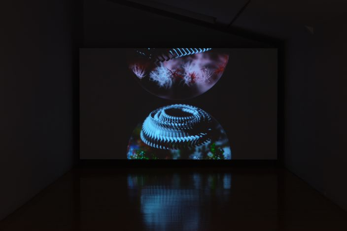 Exhibition view: Gregory Bennett, Edifice, Two Rooms, Auckland (23 April–28 May 2021). Courtesy Two Rooms.