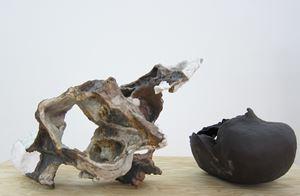 Jeder distanziert sich so gut er kann by Raphael Weilguni Viola Relle contemporary artwork