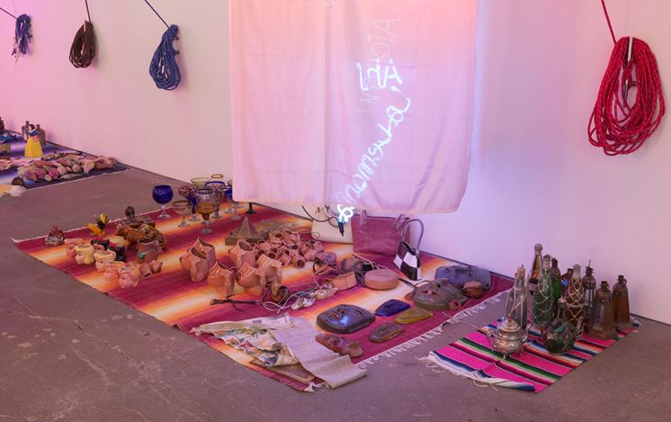 Exhibition view:Jason Rhoades, Tijuanatanjierchandelier, David Zwirner, 19th Street, New York (24 October–7 December 2019). Courtesy David Zwirner.
