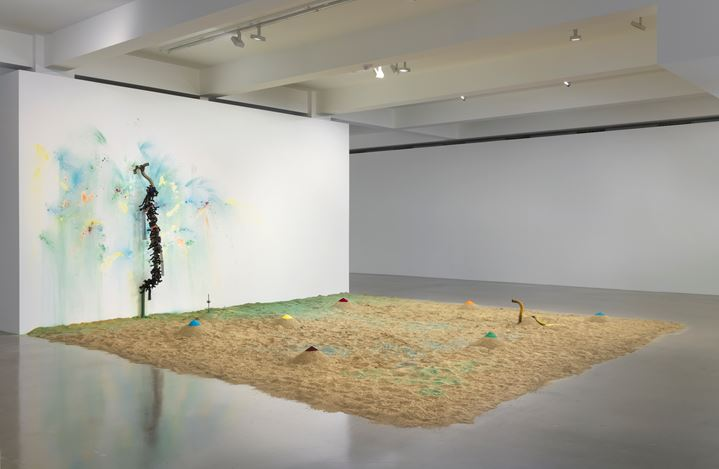Exhibition views: Senga Nengudi, Sprüth Magers, Los Angeles (18 August 2020–13 January 2021). Courtesy Sprüth Magers. Photo: Robert Wedemeyer.